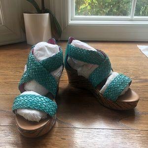 NWOB Stride Rite Girls Serena Wedge Sandals Sz 13